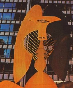 postcard-chicago-daley-plaza-picasso-sculpture-when-fairly-new-deeper-patina-hasnt-set-in-on-special-steel
